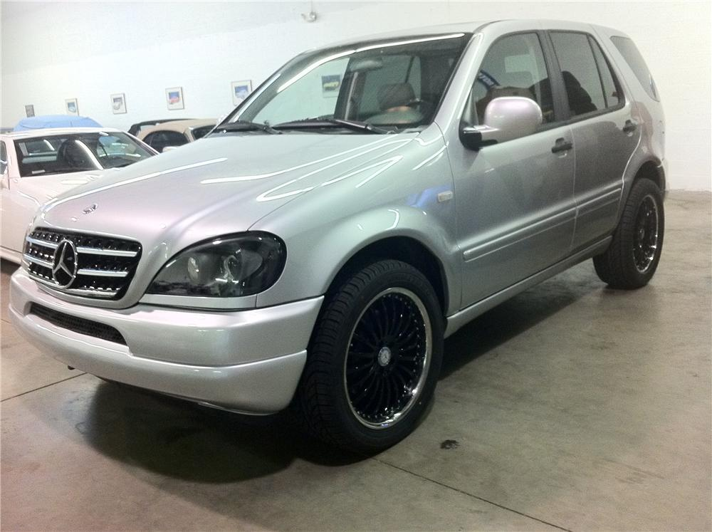2000 MERCEDES-BENZ ML43 CARLSSON EDITION - Front 3/4 - 102051