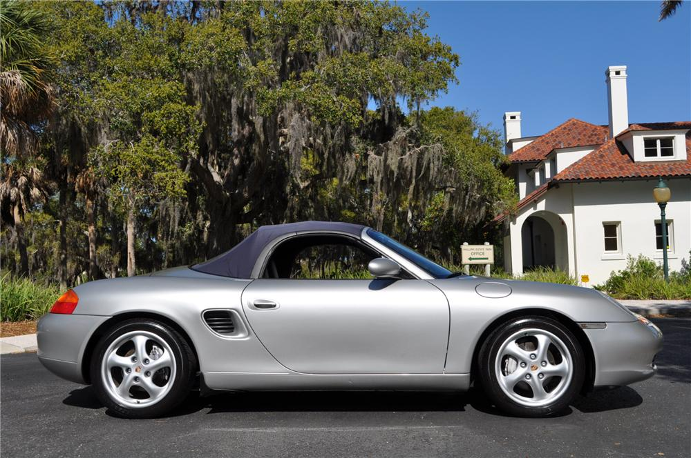 1999 PORSCHE BOXSTER CONVERTIBLE - Side Profile - 102068