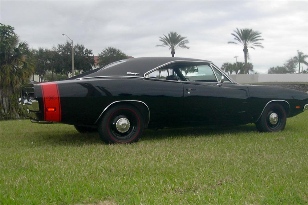 1969 DODGE CHARGER R/T 2 DOOR HARDTOP - Rear 3/4 - 102090