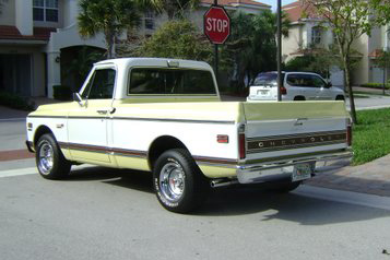 1972 CHEVROLET C-10 1/2 TON SHORT BOX PICKUP - Rear 3/4 - 102095