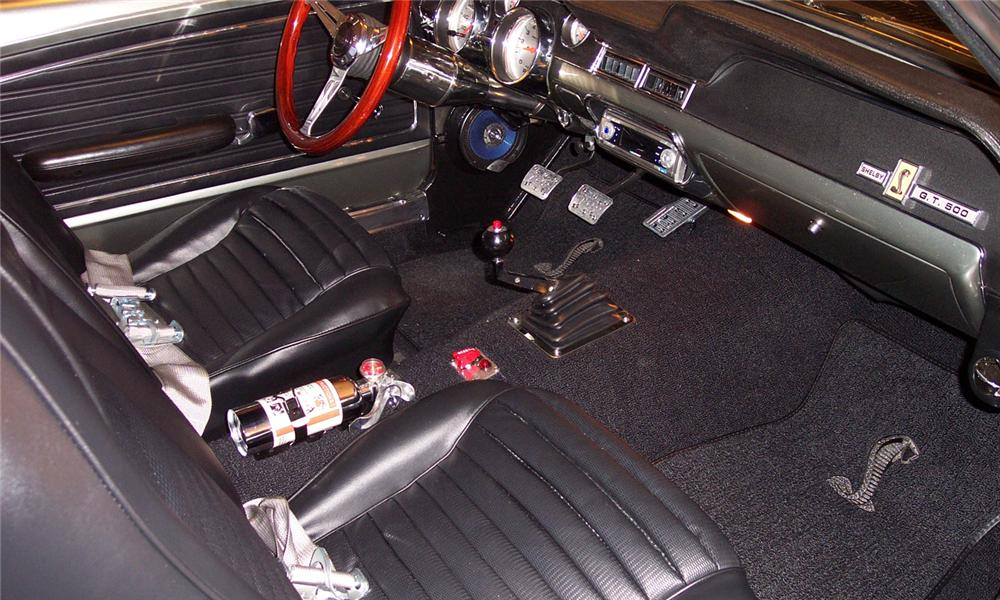 1968 FORD MUSTANG CUSTOM FASTBACK - Interior - 102105