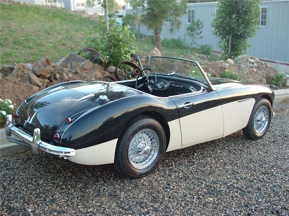 1960 AUSTIN-HEALEY 3000 BN7 ROADSTER - Rear 3/4 - 102106