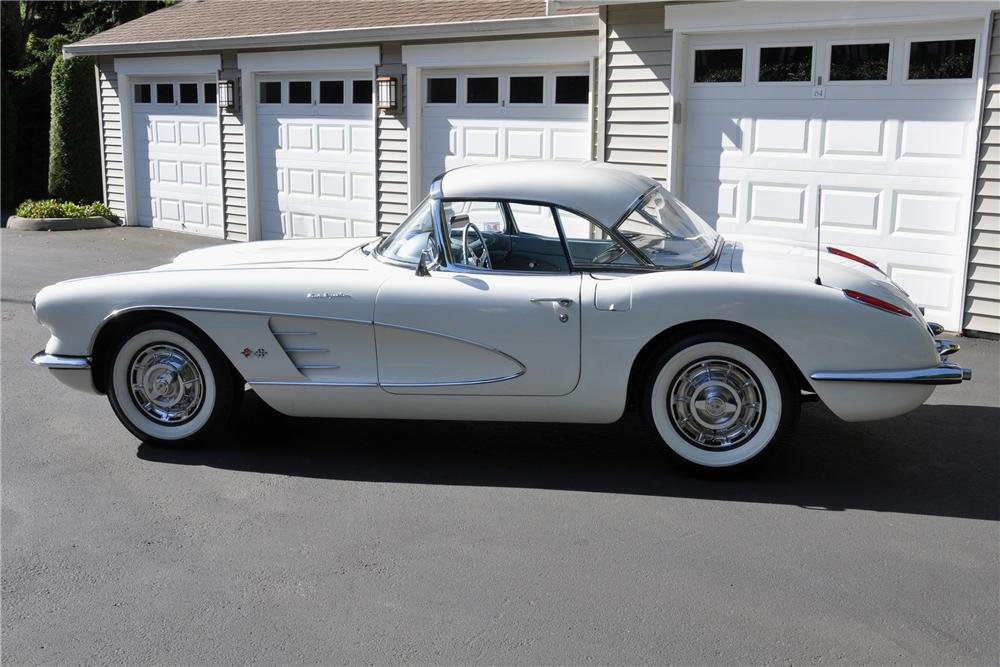 1959 CHEVROLET CORVETTE CONVERTIBLE - Side Profile - 102110