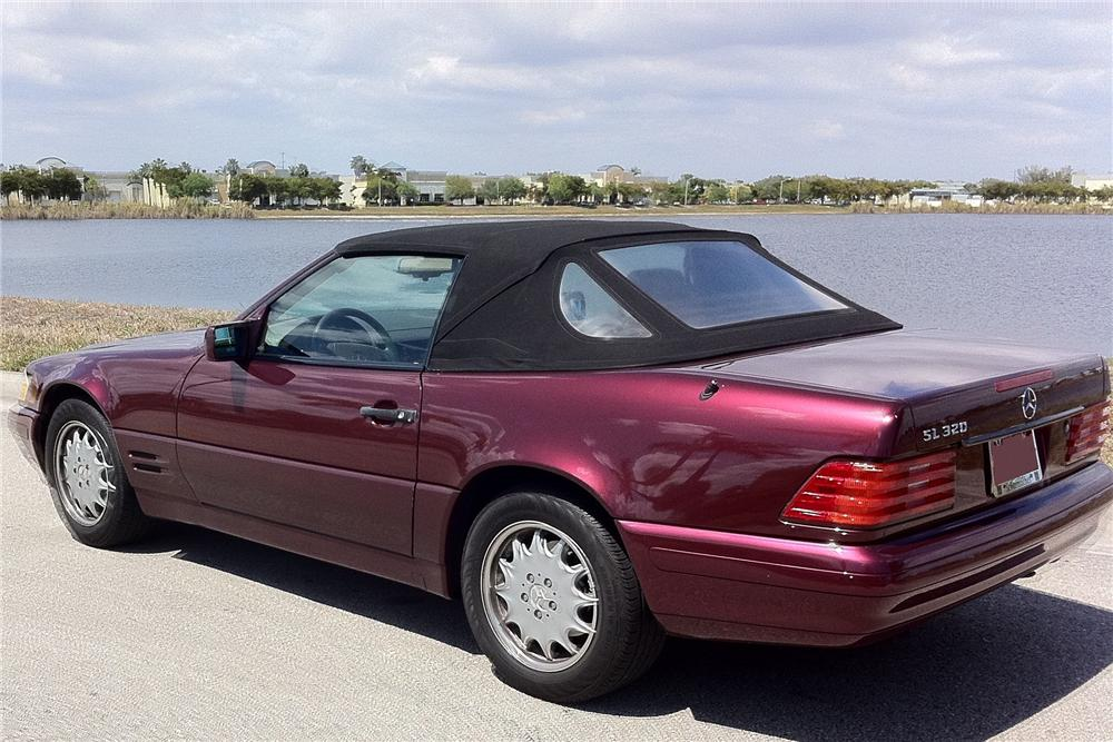 1996 MERCEDES-BENZ 320SL CONVERTIBLE - Rear 3/4 - 102121
