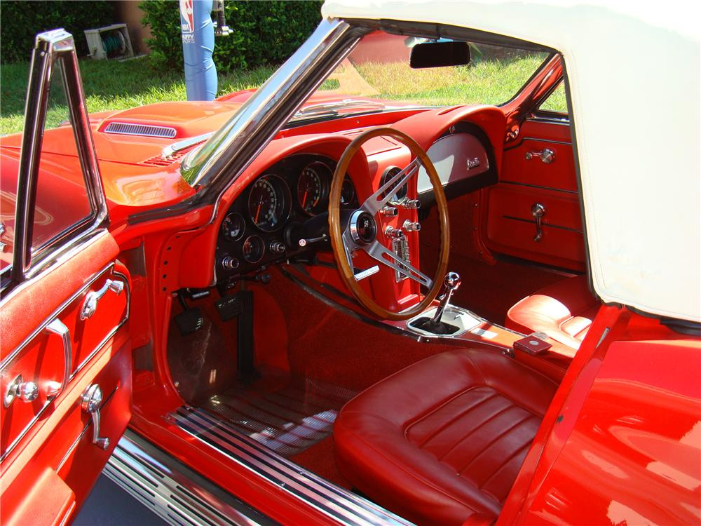 1966 CHEVROLET CORVETTE CONVERTIBLE - Interior - 102130