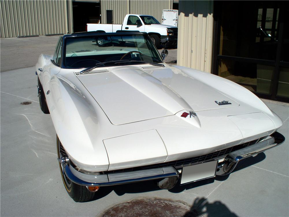 1966 CHEVROLET CORVETTE CONVERTIBLE - Front 3/4 - 102136