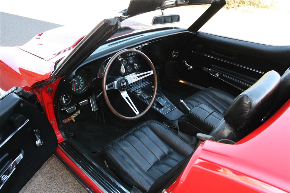 1968 CHEVROLET CORVETTE CONVERTIBLE - Interior - 102138