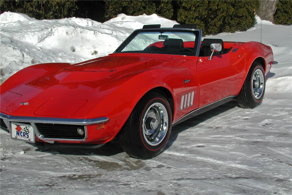 1969 CHEVROLET CORVETTE CONVERTIBLE - Front 3/4 - 102141