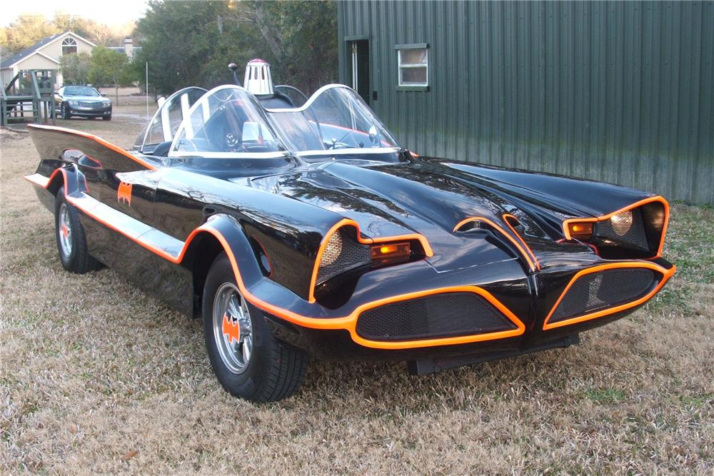 1977 LINCOLN 1966 BATMOBILE REPLICA - Front 3/4 - 102152