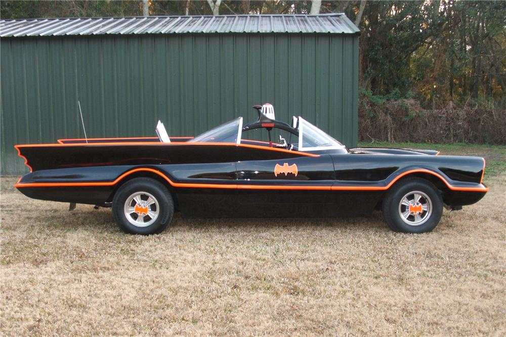 1977 LINCOLN 1966 BATMOBILE REPLICA - Side Profile - 102152
