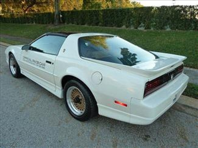 1989 PONTIAC FIREBIRD TRANS AM 20TH ANNIVERSARY COUPE - Rear 3/4 - 102302