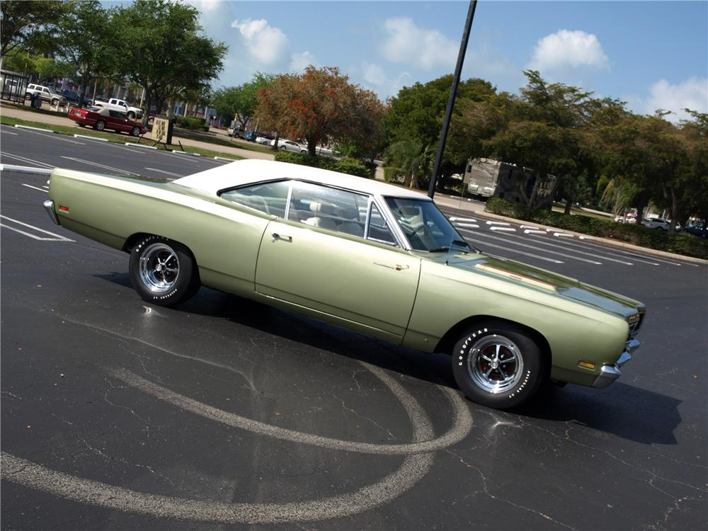 1969 PLYMOUTH ROAD RUNNER COUPE - Engine - 102303