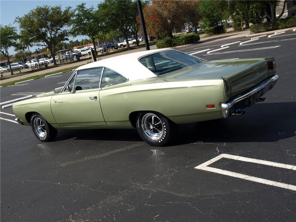 1969 PLYMOUTH ROAD RUNNER COUPE - Rear 3/4 - 102303