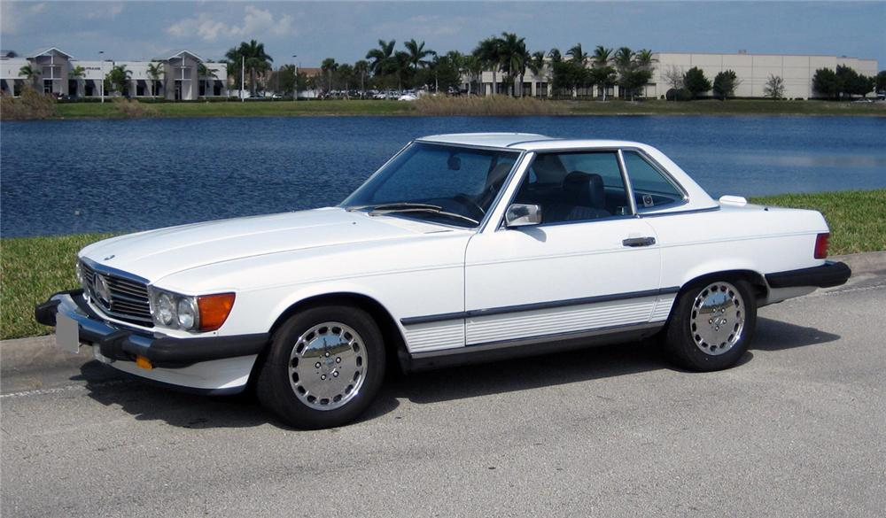 1987 MERCEDES-BENZ 560SL ROADSTER - Front 3/4 - 102304