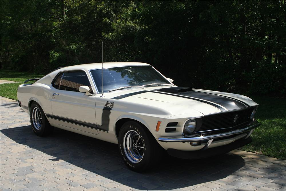 1970 FORD MUSTANG BOSS 302 2 DOOR FASTBACK - Front 3/4 - 102308