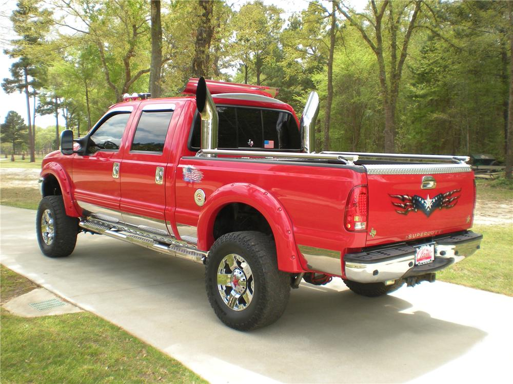 2003 FORD F-250 CUSTOM PICKUP - Rear 3/4 - 102309