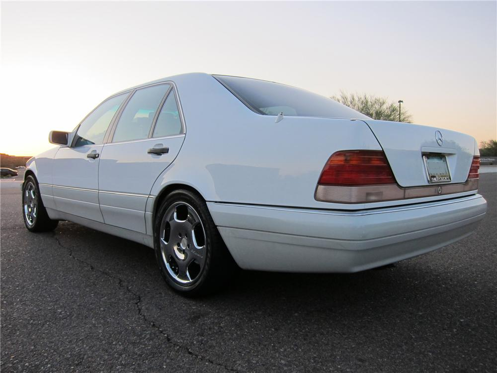 1995 MERCEDES-BENZ S320 4 DOOR SEDAN - Rear 3/4 - 102314