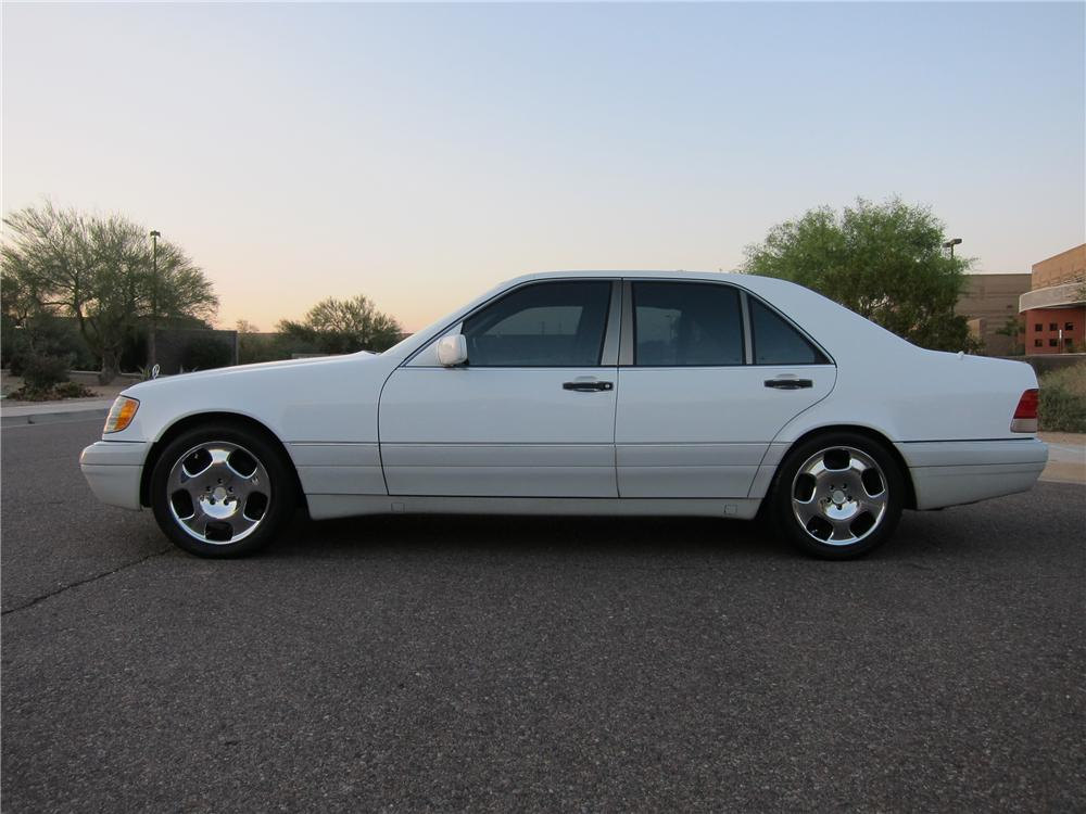 1995 MERCEDES-BENZ S320 4 DOOR SEDAN - Side Profile - 102314