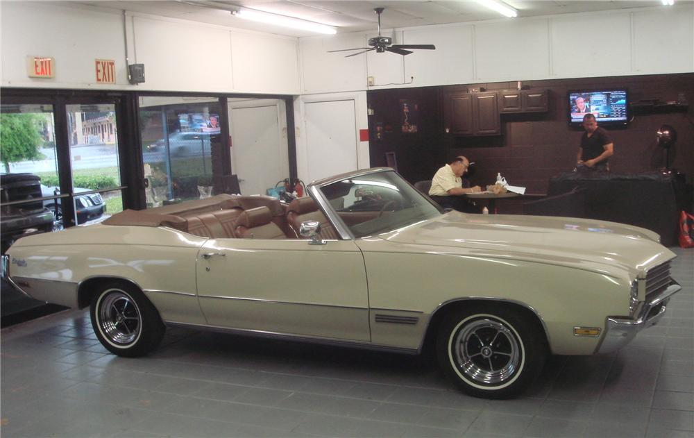 1971 BUICK SKYLARK CUSTOM CONVERTIBLE - Side Profile - 102673