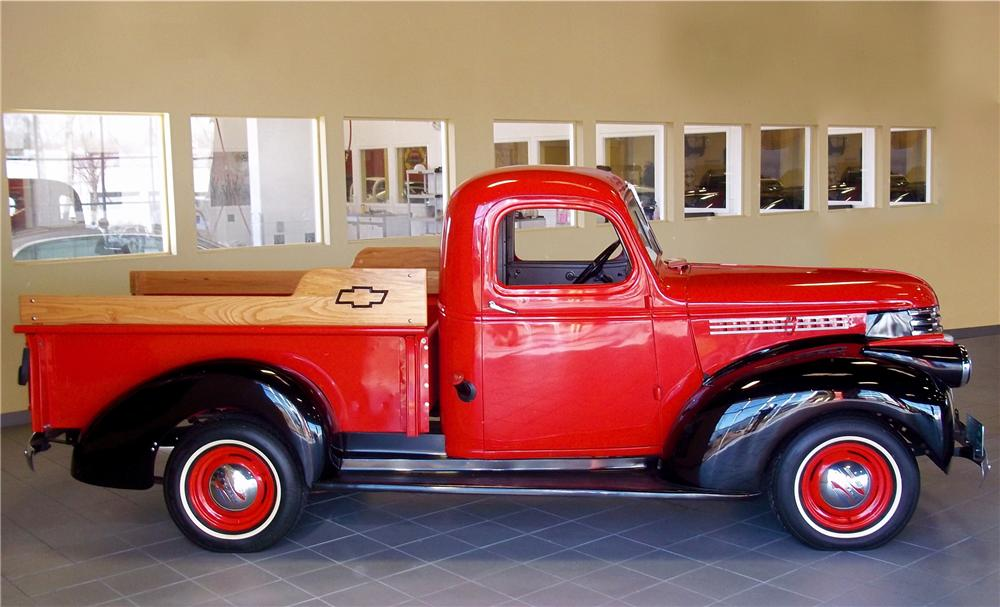 1942 CHEVROLET CUSTOM PICKUP - Side Profile - 102853