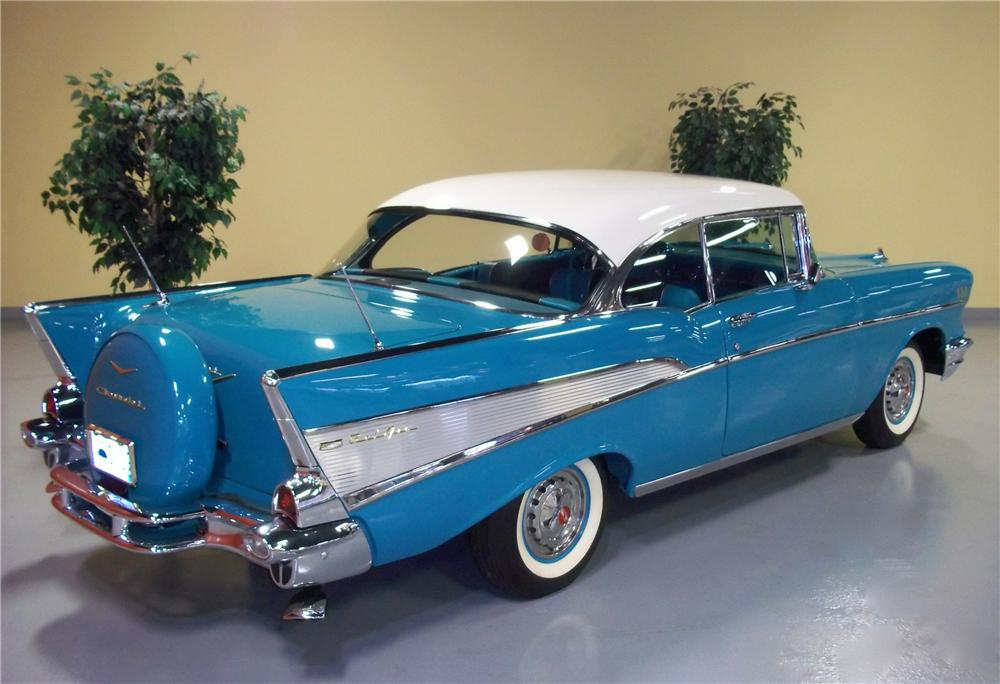 1957 CHEVROLET BEL AIR 2 DOOR HARDTOP - Rear 3/4 - 102873