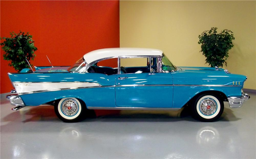 1957 CHEVROLET BEL AIR 2 DOOR HARDTOP - Side Profile - 102873