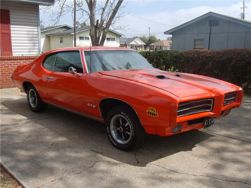 1969 PONTIAC GTO 2 DOOR COUPE - Front 3/4 - 103233