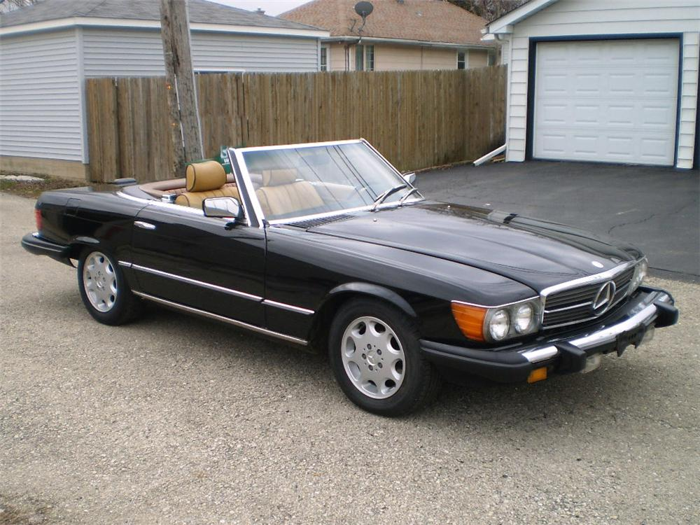 1985 MERCEDES-BENZ 560SL CONVERTIBLE - Front 3/4 - 103434