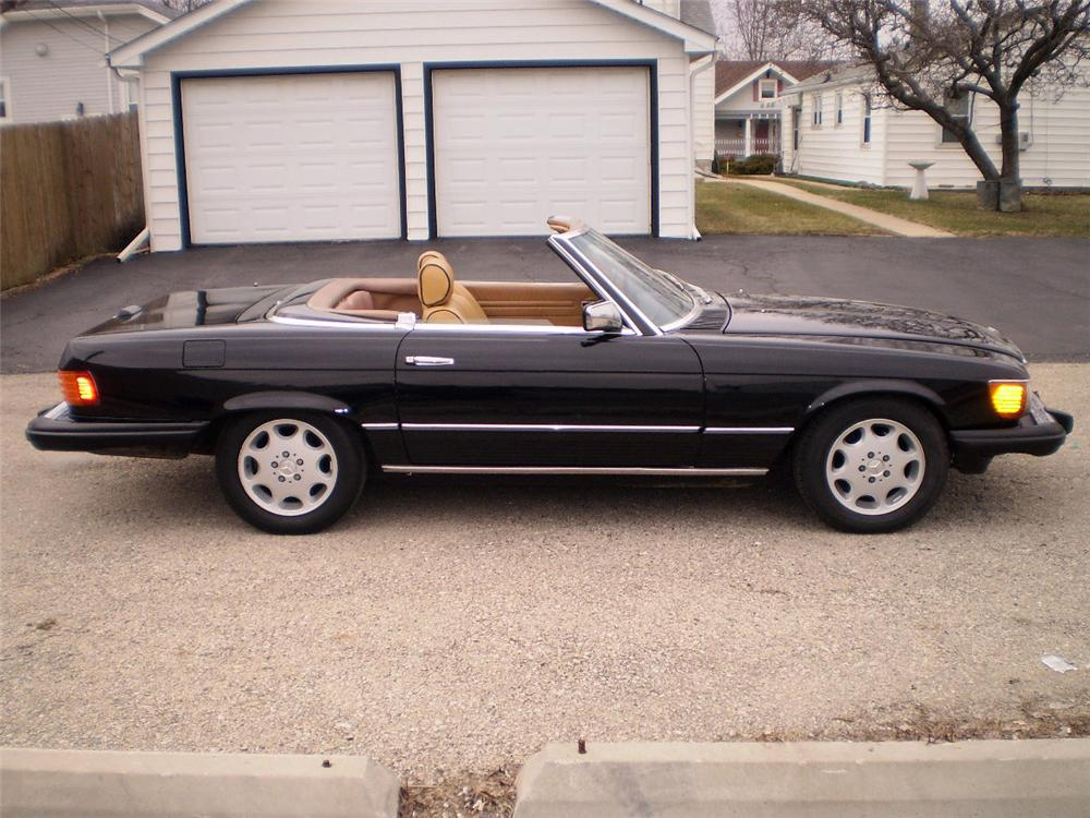 1985 MERCEDES-BENZ 560SL CONVERTIBLE - Side Profile - 103434
