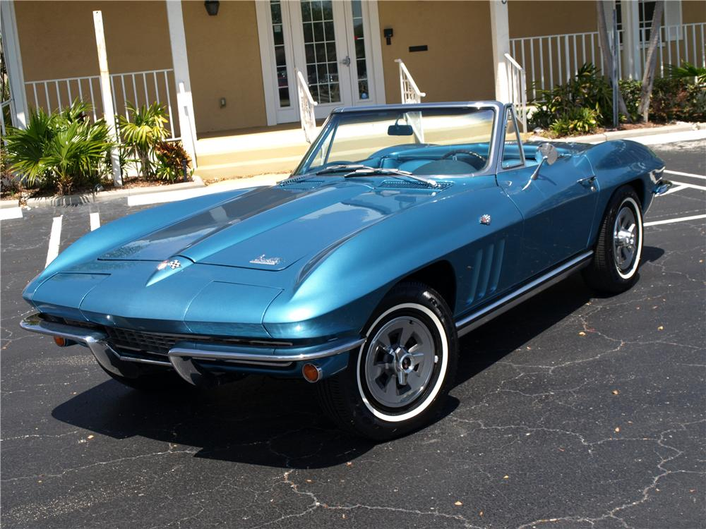 1965 CHEVROLET CORVETTE CONVERTIBLE - Front 3/4 - 103633