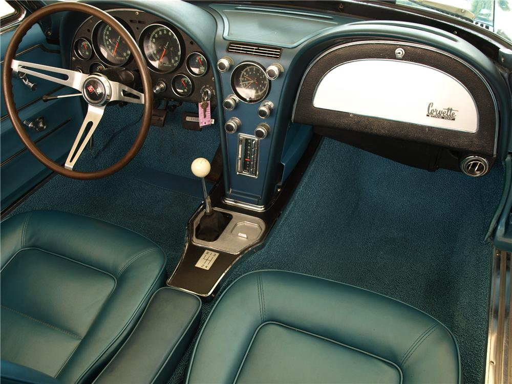 1965 CHEVROLET CORVETTE CONVERTIBLE - Interior - 103633