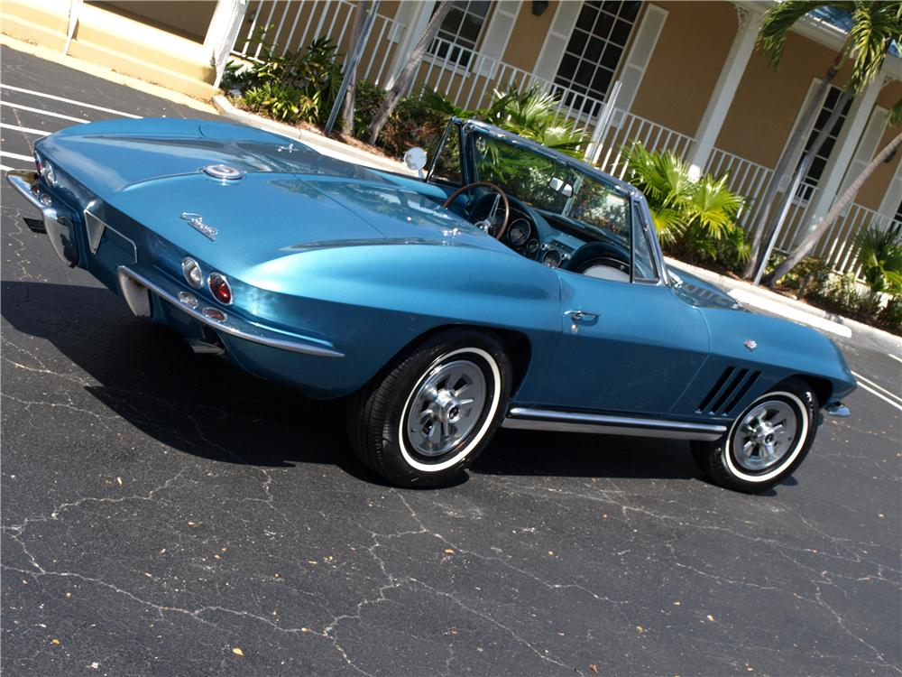 1965 CHEVROLET CORVETTE CONVERTIBLE - Rear 3/4 - 103633