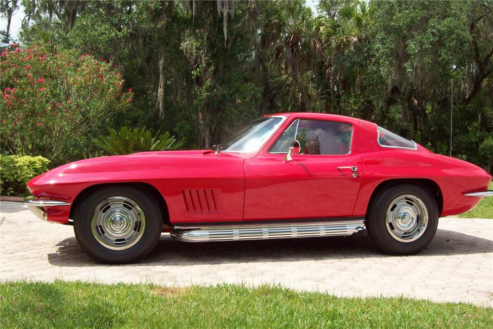 1967 CHEVROLET CORVETTE COUPE - Side Profile - 103813