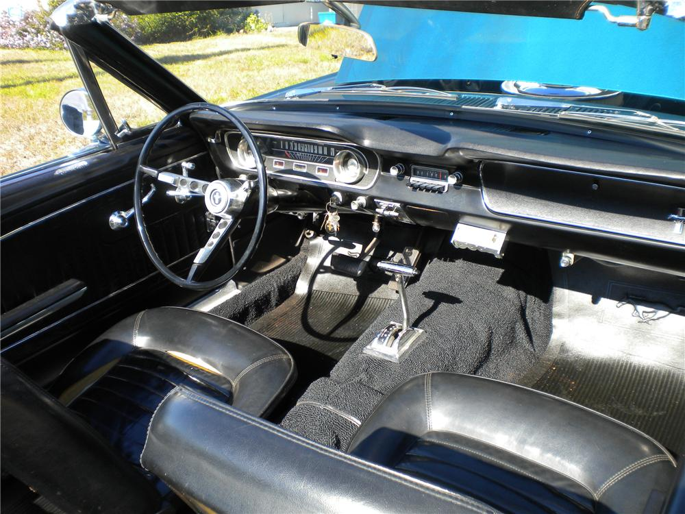 1965 FORD MUSTANG CONVERTIBLE - 104113