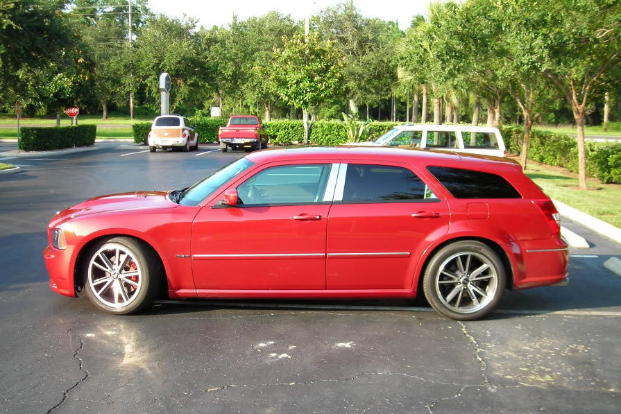 2006 DODGE MAGNUM RT CUSTOM STATION WAGON - Side Profile - 104393