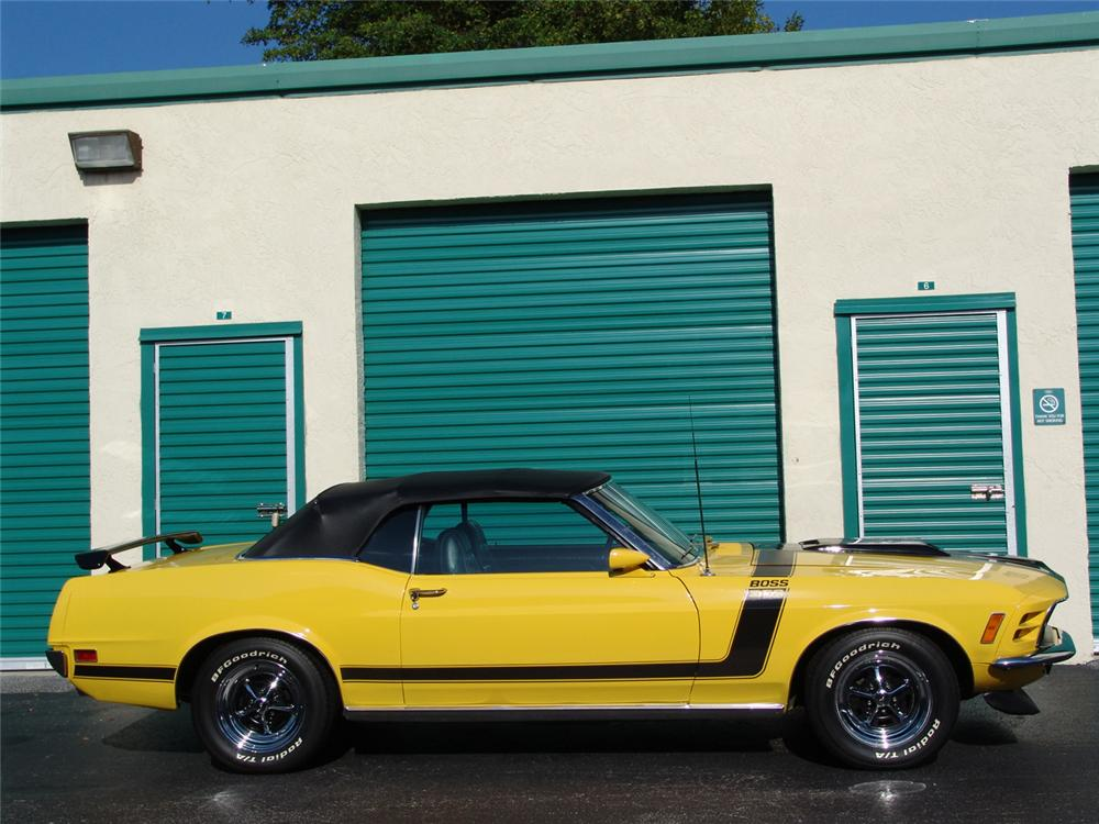1970 FORD MUSTANG CUSTOM CONVERTIBLE - Side Profile - 104935