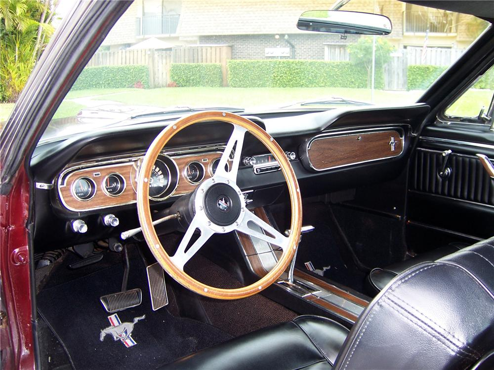 1965 FORD MUSTANG FASTBACK - Interior - 105853