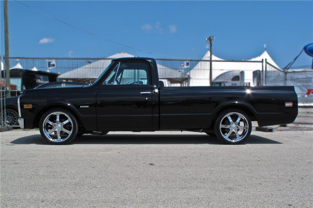 1970 CHEVROLET C-10 CUSTOM PICKUP - Side Profile - 107656