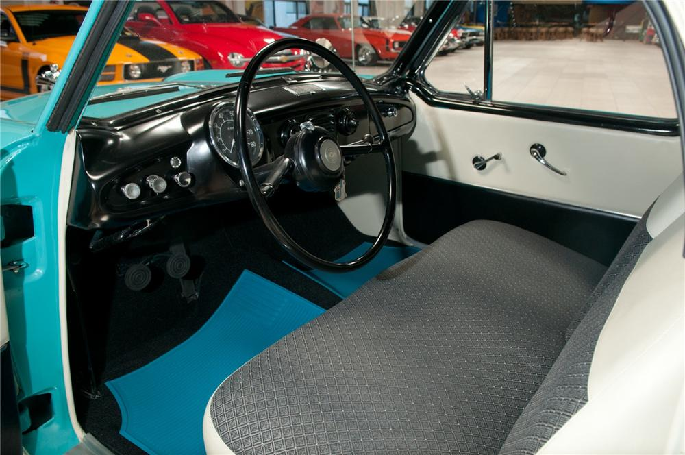 1961 NASH METROPOLITAN CONVERTIBLE - Interior - 108087