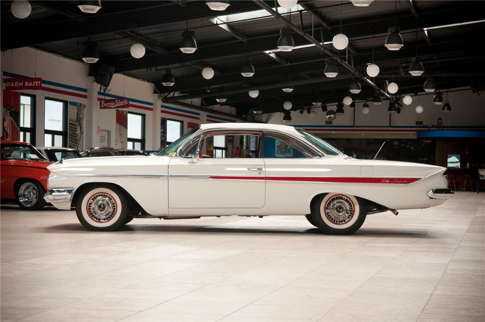 1961 CHEVROLET IMPALA 2 DOOR HARDTOP - Side Profile - 108090