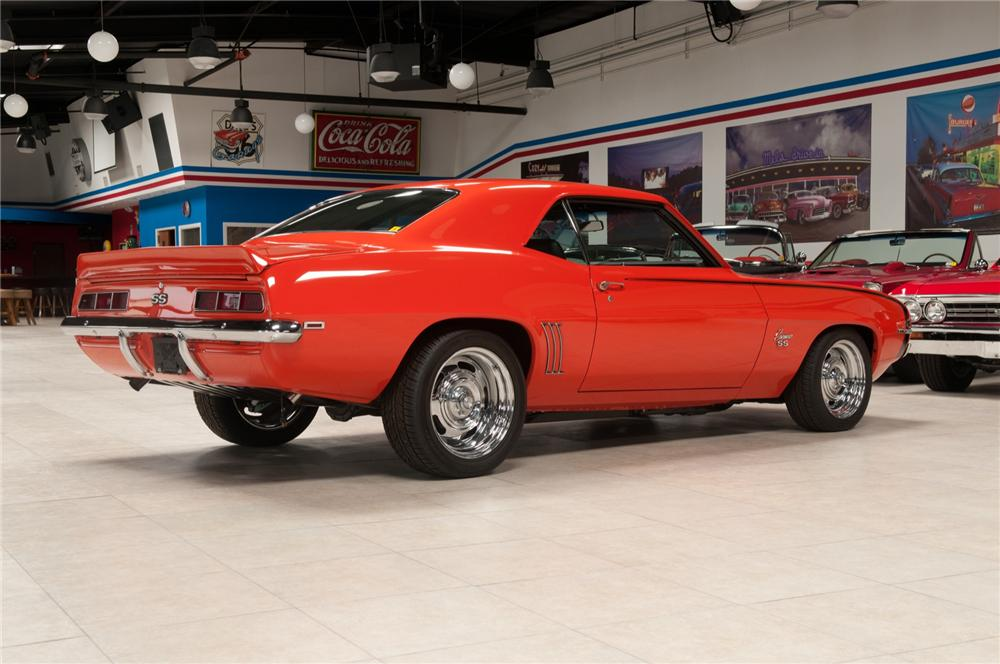 1969 CHEVROLET CAMARO CUSTOM COUPE - Rear 3/4 - 108094
