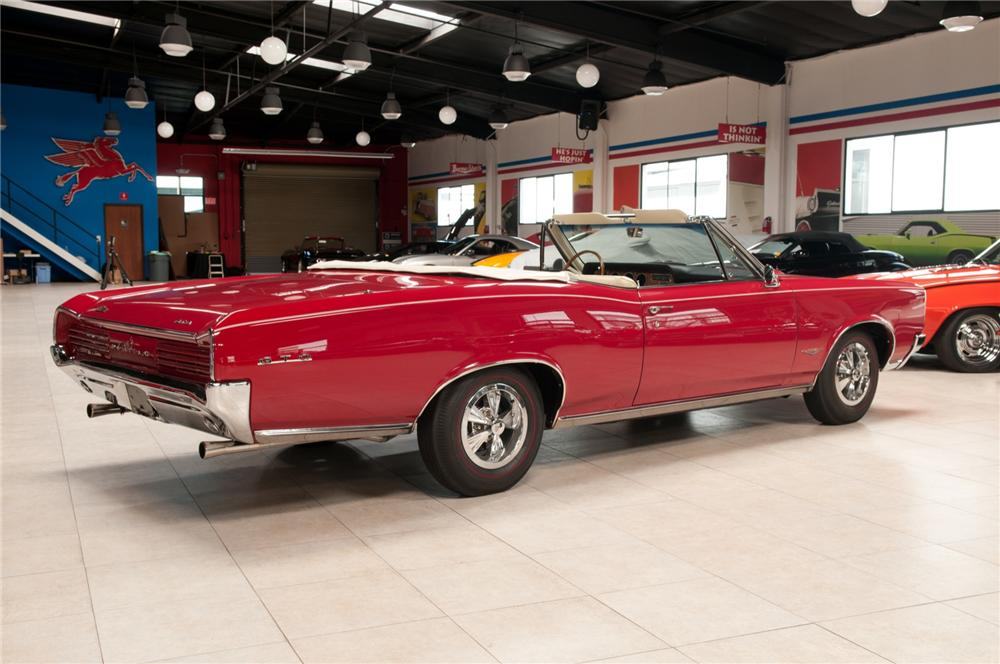 1966 PONTIAC GTO CONVERTIBLE - Rear 3/4 - 108102