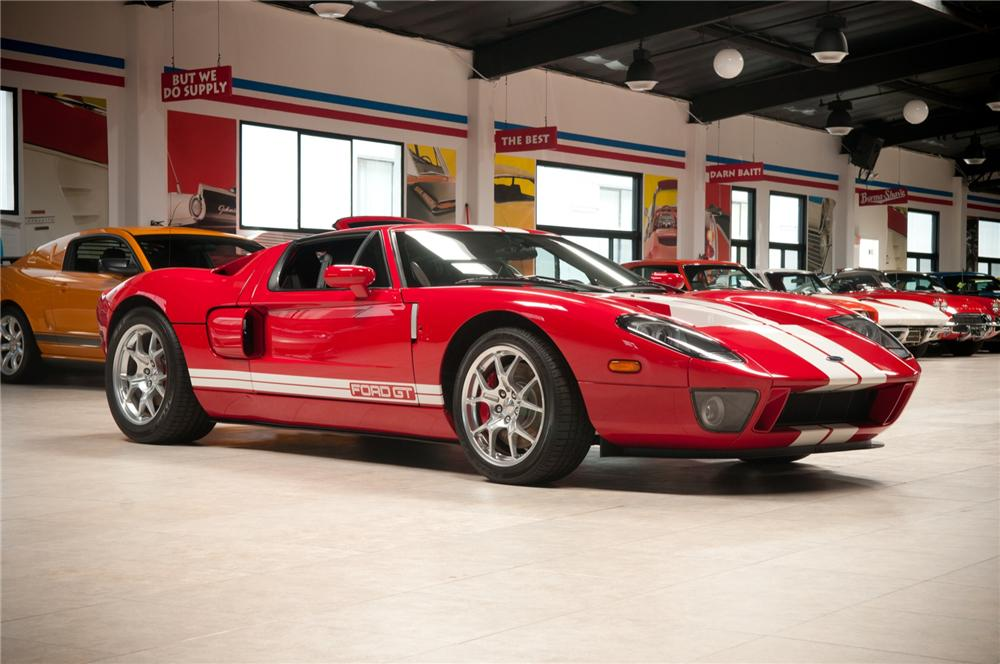 2005 FORD GT COUPE - Front 3/4 - 108106