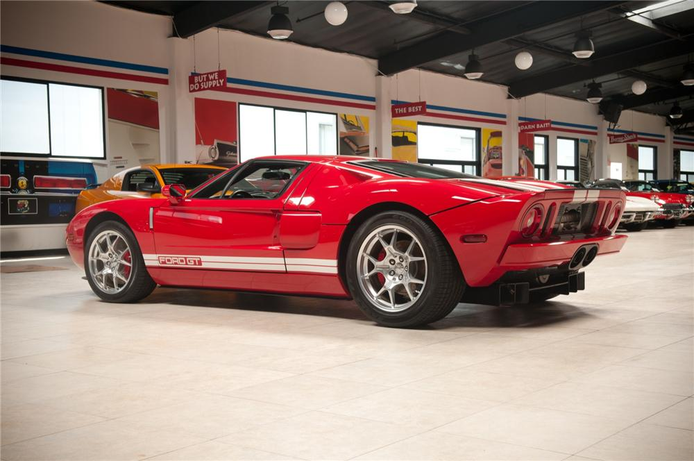 2005 FORD GT COUPE - Rear 3/4 - 108106