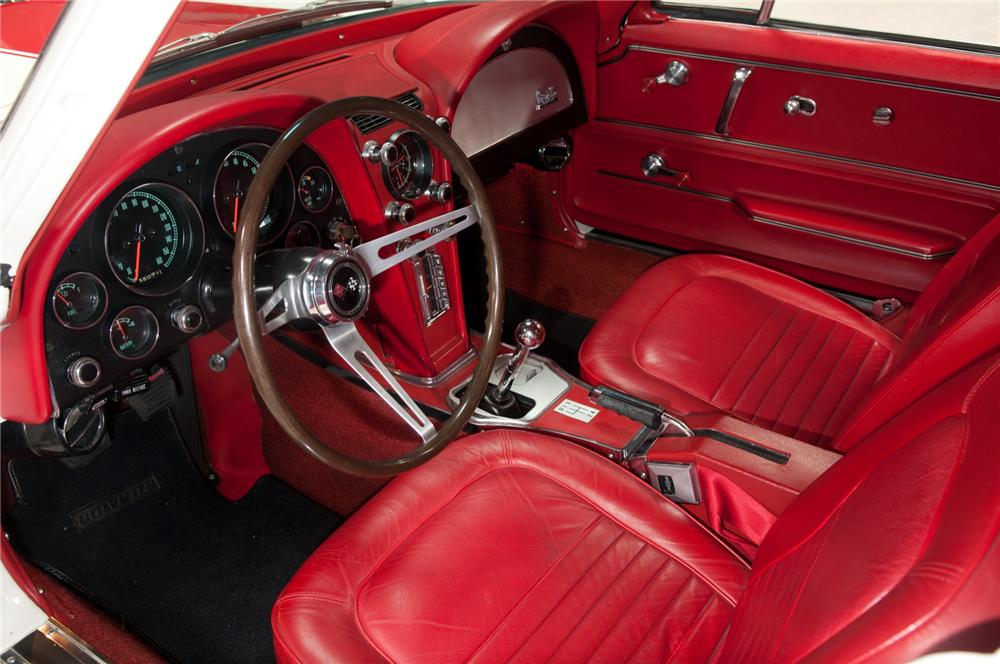 1967 CHEVROLET CORVETTE COUPE - Interior - 108115