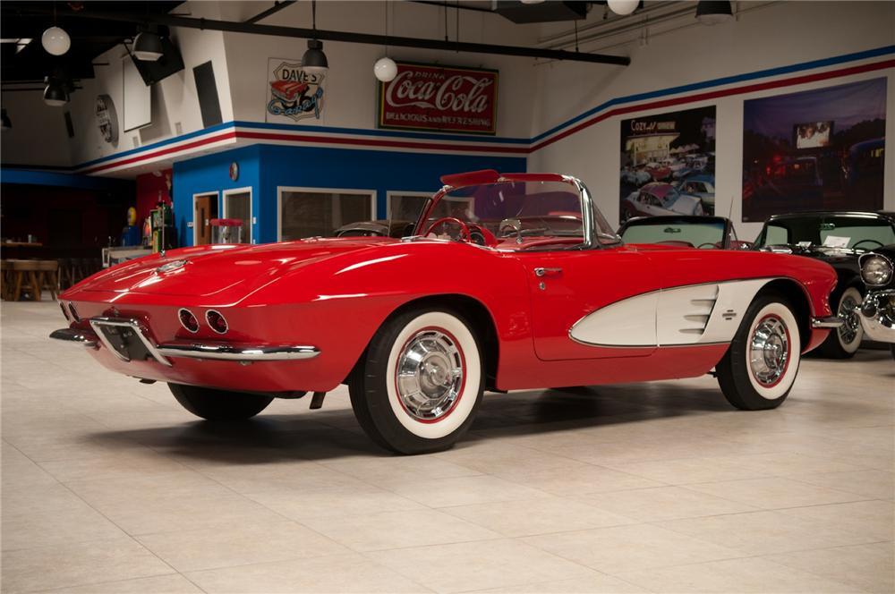 1961 CHEVROLET CORVETTE CONVERTIBLE - Rear 3/4 - 108116