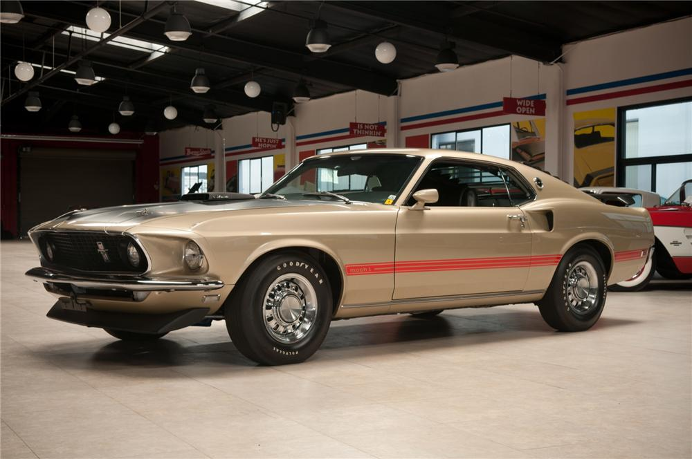 1969 FORD MUSTANG MACH 1 428 SCJ FASTBACK - Front 3/4 - 108120