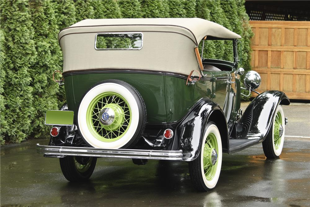 1932 FORD 18-750 PHAETON - Rear 3/4 - 108143