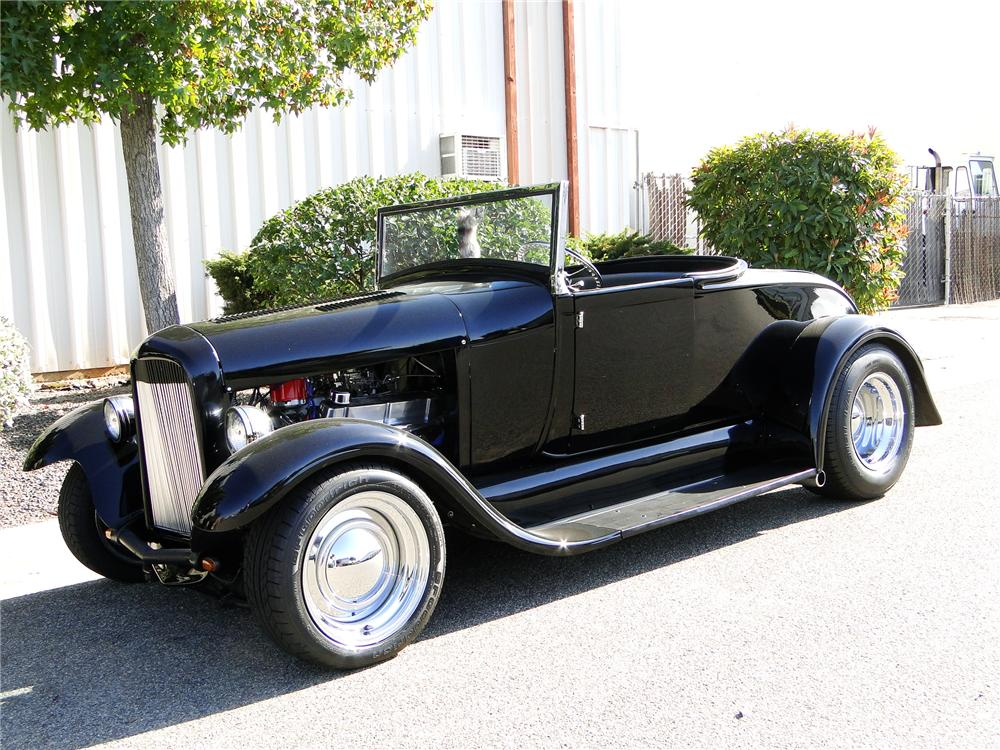 1928 FORD CUSTOM ROADSTER - Front 3/4 - 108152