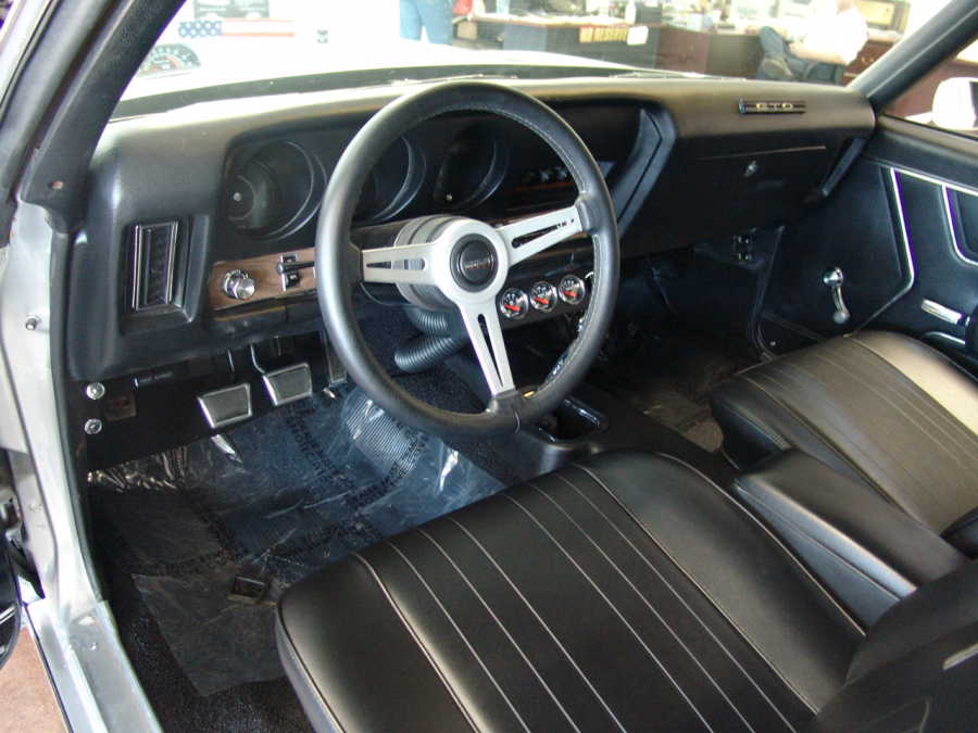 1969 PONTIAC GTO 2 DOOR CUSTOM COUPE - Interior - 108156